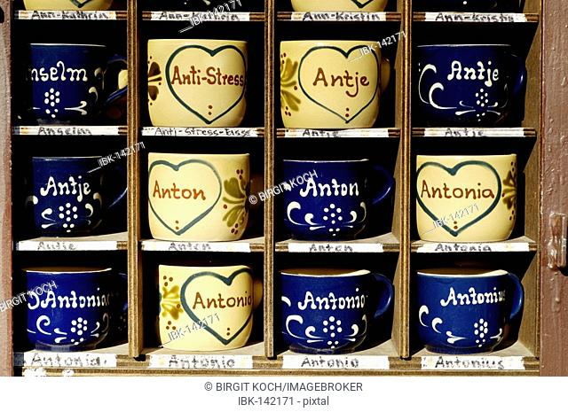 Cups with different names Antje, Antonia