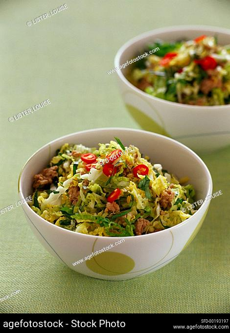 Mixed cabbage salad with mince and chili