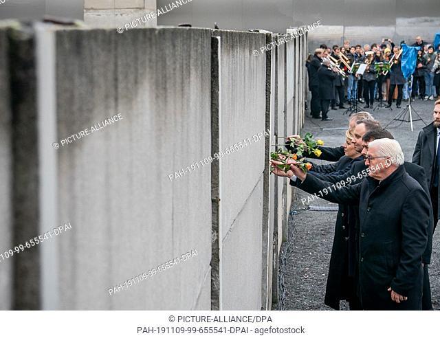 09 November 2019, Berlin: Federal President Frank-Walter Steinmeier (r-l), Janos Ader, President of Hungary, Andrzej Duda, President of Poland, Zuzana Caputova