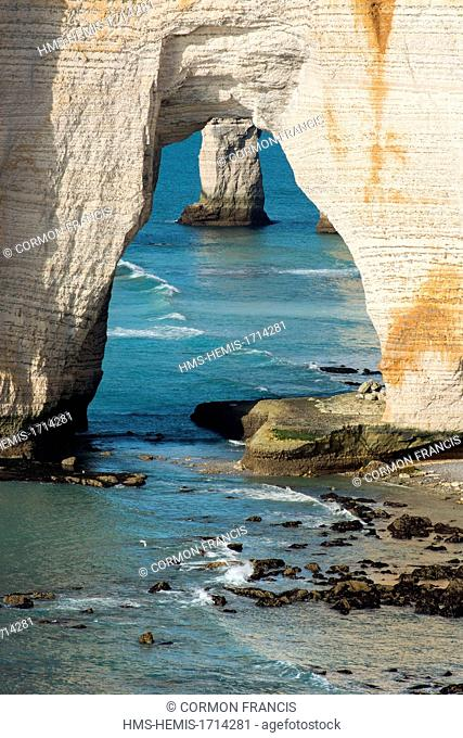 France, Seine Maritime, Etretat, Manneporte view from the point of La Courtine