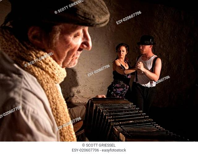 Dancers with Squeezebox Performer