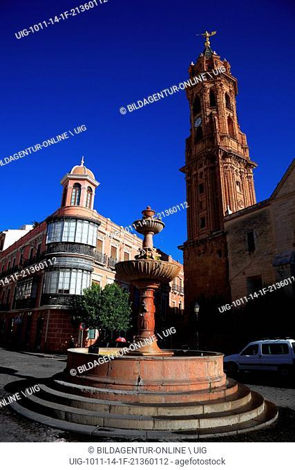 Antequera, Spain, Andalusia, church San Sebastian in the city center and davor ein Brunnen