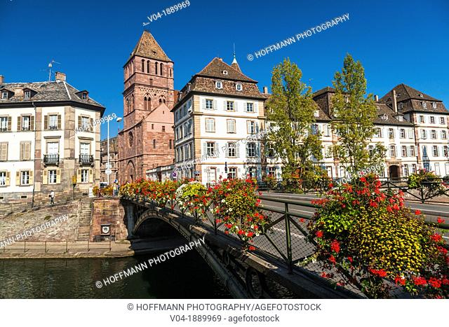Historic St. Thomas church framed by houses in Strasbourg, Alsace, France, Europe
