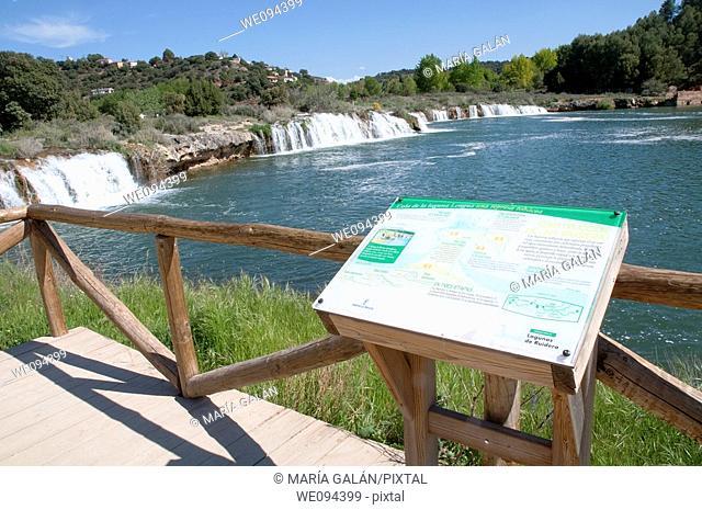 Viewpoint and Lengua lake. Lagunas de Ruidera Nature Reserve, Ciudad Real province, Castilla La Mancha, Spain