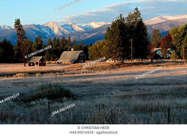 North America, USA, Rocky Mountains, Montana, Bitterroot Valley barn