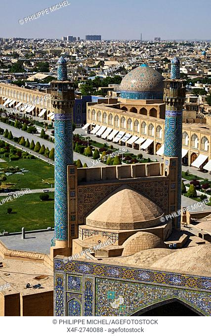 Iran, Isfahan, general view of the Imam Square, Jameh Mosque or Friday mosque, Sheikh Lotfollah mosque