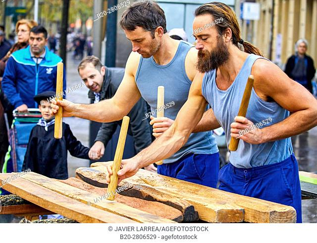 Txalaparta (Basque typical wooden percussion instrument), Feria de Santo Tomás, The feast of St. Thomas takes place on December 21