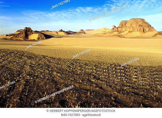 Akakus Mountains; Dunes; Scenery; Libyan Desert; Libyan Arab Jamahiriya