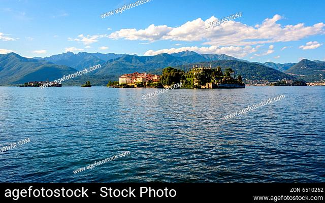 A nice view from Stresa to three island inside Maggiore lake