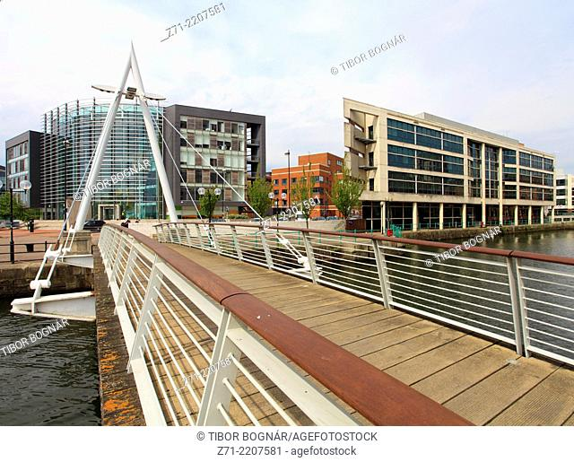 UK, Wales, Cardiff, Bay, footbridge, modern architecture,