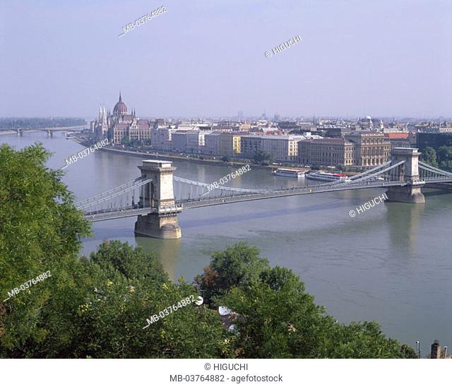 Hungary, Budapest, view at the city,  Parliament,  bridge, river Danube  Europe, Central Europe, Magyar Köztársaság, city, capital, sight, landmarks, buildings