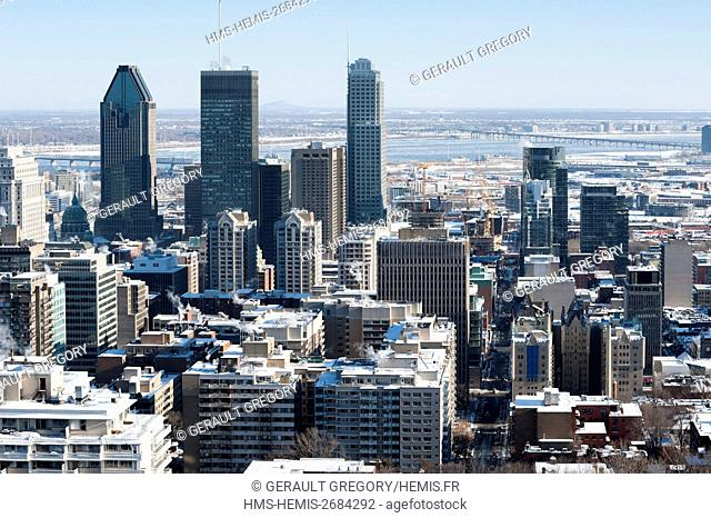 Canada, Quebec, Montreal, Montreal and its skyscrapers from the viewpoint of Mount Royal in winter