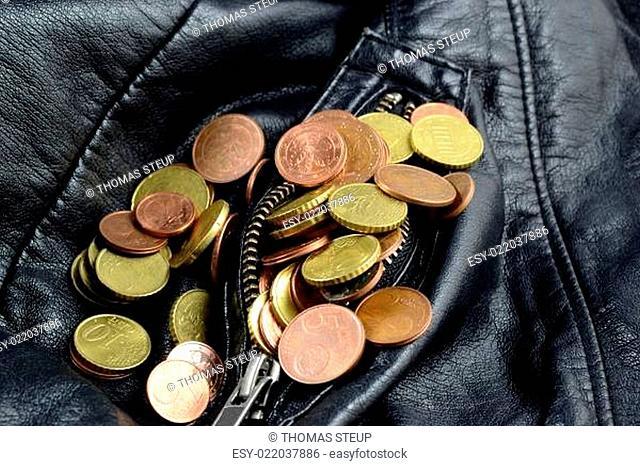viel Kleingeld in der Jackentasche