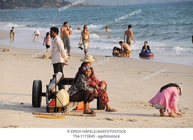 People on the beach in Sihanouk Ville