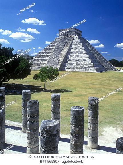 El Castillo (Kukulkan) Pyramid, Chichen Itza Ruins, Yucatán, Mexico