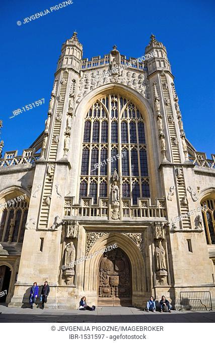 The Abbey Church of Saint Peter and Saint Paul, Bath Abbey, from Abbey Churchyard, Bath, Somerset, England, United Kingdom, Europe