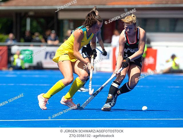 Krefeld, Germany, June 16 2019, hockey, women, FIH Pro League, Germany vs. Australia: Savannah Fitzpatrick (Australia, L) and Lena Micheel compete