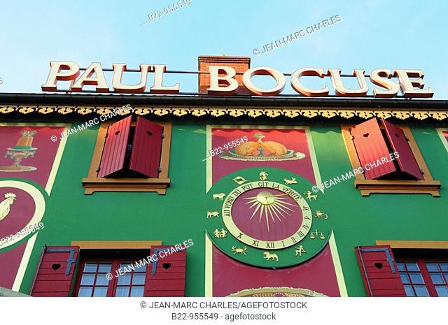 French chef Paul Bocuse's 3-Michelin-star restaurant L'Auberge du Pont de Collonges, Collonges-au-Mont-d'Or, Rhône, Rhône-Alpes, France