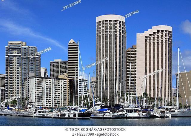 Hawaii, Oahu, Waikiki, Ala Wai Yacht Harbor, skyline,