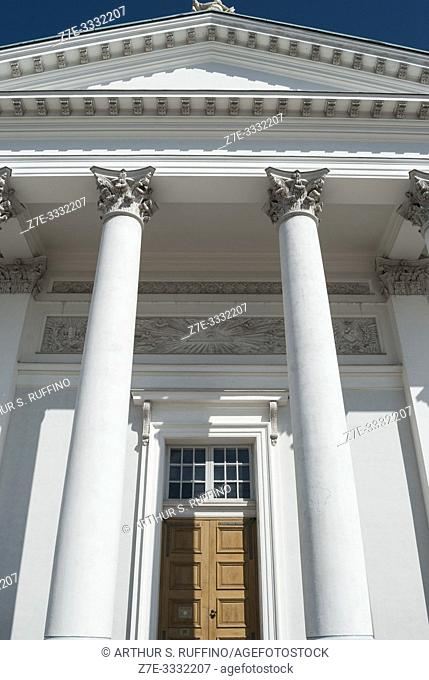 Detail of Corinthian columns supporting one of the pediments of the Helsinki Cathedral (Helsingin tuomiokirkko), Senate Square