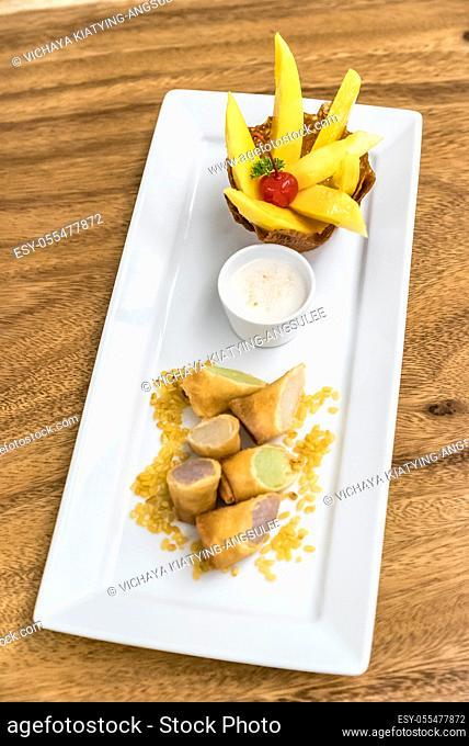mango sticky rice Thai dessert cuisine