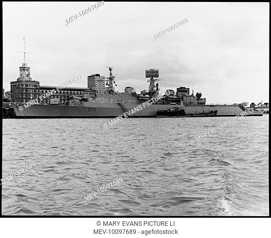 HMS Glamorgan, one of 6 County Class Destroyers. Carries 4 Exocet, 36 Seaslug and 2 Seacat missiles, as well as one radar controlled gun