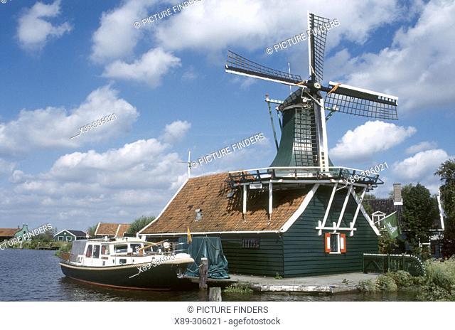 Windmills. Zaanse Schans. Holland