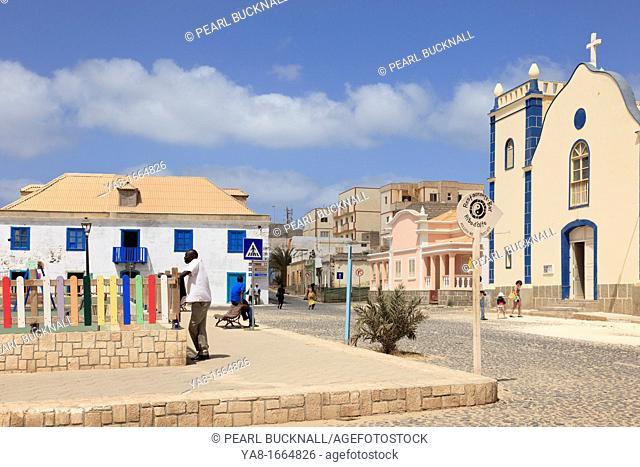 Largo Santa Isobel, Sal Rei, Boa Vista, Cape Verde Islands, Africa  Scene in the main square with cobbled street and catholic Church of St Isobel