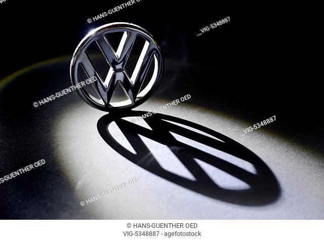 27.10.2015, Unkel, GER, Germany, Symbol photo, the VW emblem casts a large dark shadow - Unkel, Rhineland-Pala, Germany, 27/10/2015