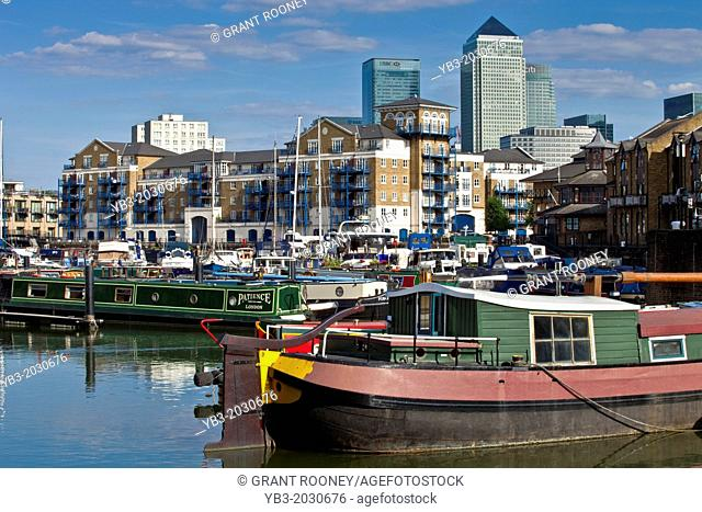 Limehouse Basin, London, England.	1015