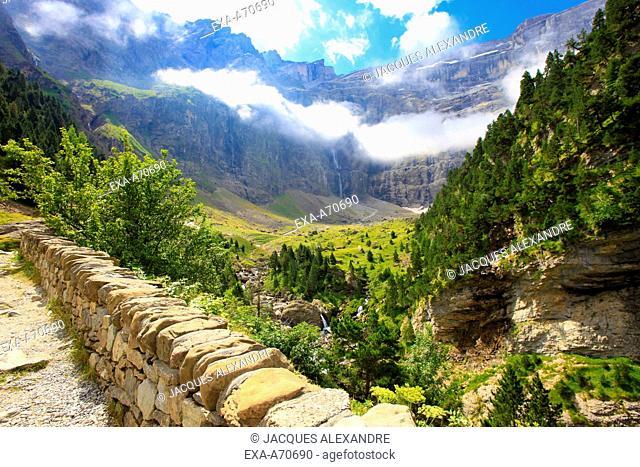 View of the Cirque de Gavarnie, Pyrenees mountain, France