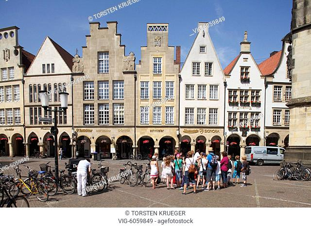Muenster in Westfalen : Prinzipalmarkt, Giebelhaeuser I Prinzipalmarkt Place, Old Houses Münster in Westphalia , North Rhine-Westphalia, Germany - Muenster