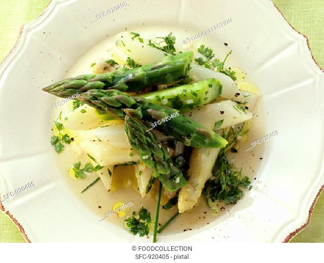 Green and white asparagus salad with herbs