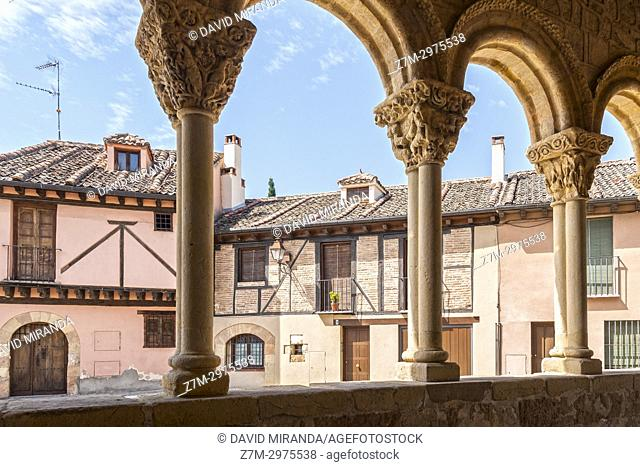 Columnas de la Iglesia de San Lorenzo. Segovia. Castilla León. España. Ciudad patrimonio de la humanidad. Unesco