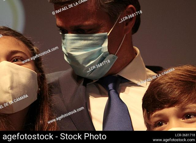 Leopoldo Eduardo Lopez Mendoza and family after press conference Circulo de Bellas Artes Madrid