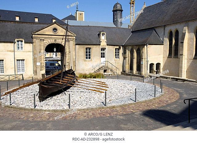 Musee de la Tapisserie, Bayeux, Calvados, Basse-Normandie, France