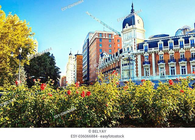 Madrid city in november - shots of Spain - Travel Europe