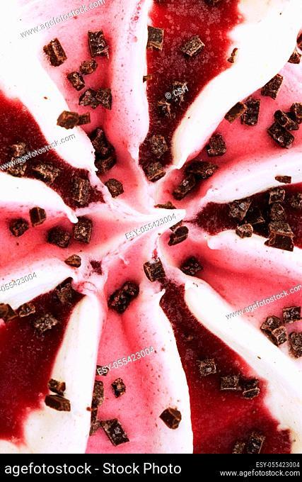 strawberry ice cream, chocolate chips