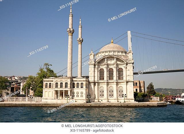 Ortakoy Mosque, beside the Bosphorus Bridge, Ortakoy, Istanbul, Turkey