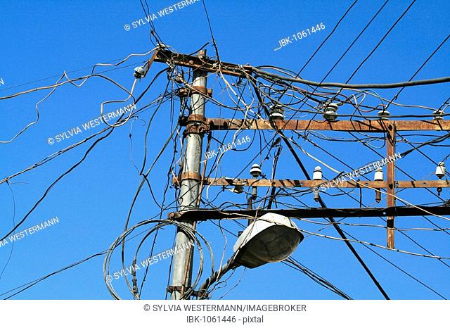 Chaotic power cable system, Jaisalmer, India, South Asia