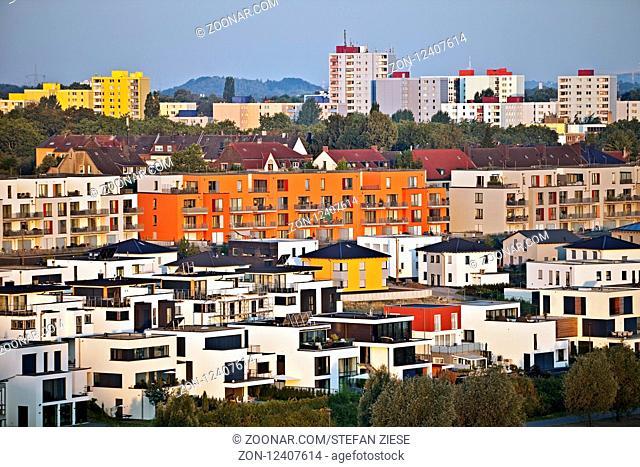 Wohnbebauung am Phoenix See, Dortmund, Ruhrgebiet, Nordrhein-Westfalen, Deutschland, Europa