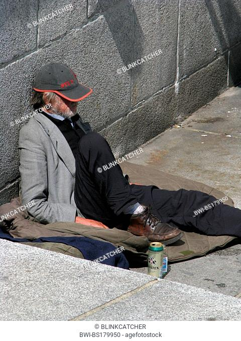 Homeless beer sleeping bag Stock Photos and Images | age