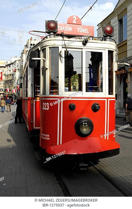 Tram, Istiklal Caddesi, Beyoglu district, Istanbul, Turkey