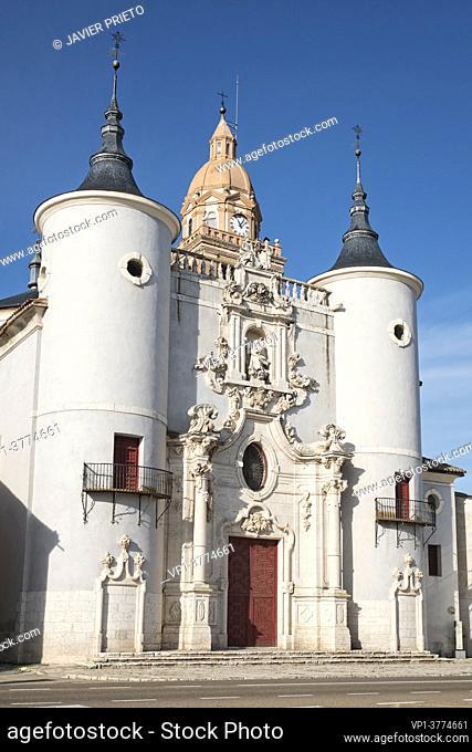 Church of Santa María de la Asunción, in Rueda. Road to Santiago del Sureste as it passes through the province of Valladolid. Castile and Leon. Spain