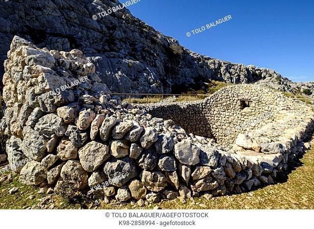 Case de neu des Galileu, finca pública de Son Massip , propiedad del Consell de Mallorca, Mola de Son Massip, Ruta de Pedra en Sec (GR-221)