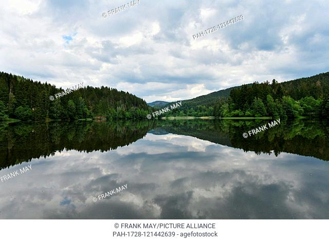 """Water dam """"""""Soese"""""""", Germany, near city of Osterode, 17. June 2019. Photo: Frank May   usage worldwide. - Osterode/Niedersachsen/Germany"""