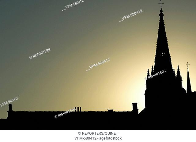 Ieper - 07 september 2016 Crepuscule sur les tours d'Ypres Dusk on the tower of Ieper Credit: JMQuinet/Reporters Reporters / QUINET