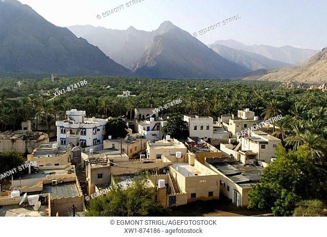 view over Nakhal, Nakhl oasis, Hajar al Gharbi Mountains, Batinah Region, Sultanate of Oman, Arabia, Middle East