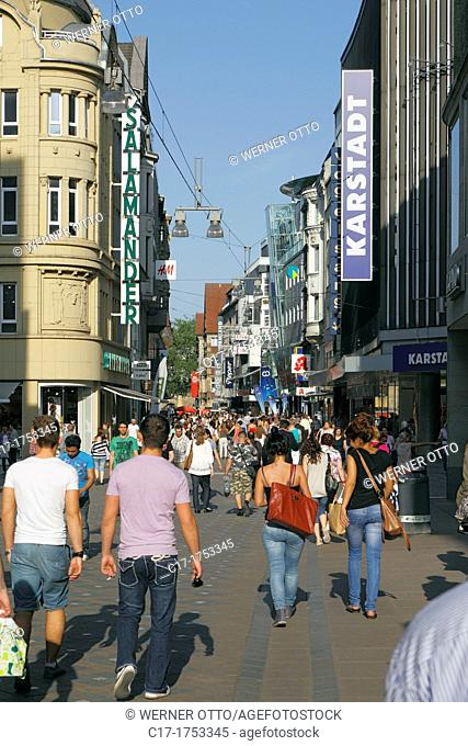 Germany, Dortmund, Ruhr area, Westphalia, North Rhine-Westphalia, NRW, Westenhellweg, shopping street, pedestrian zone, people, shopping stroll