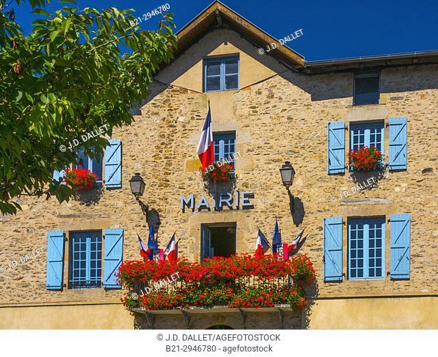 """France, Midi Pyrénnées,Lot, """"""""Mairie"""""""" (townhall) at Bagnac"""